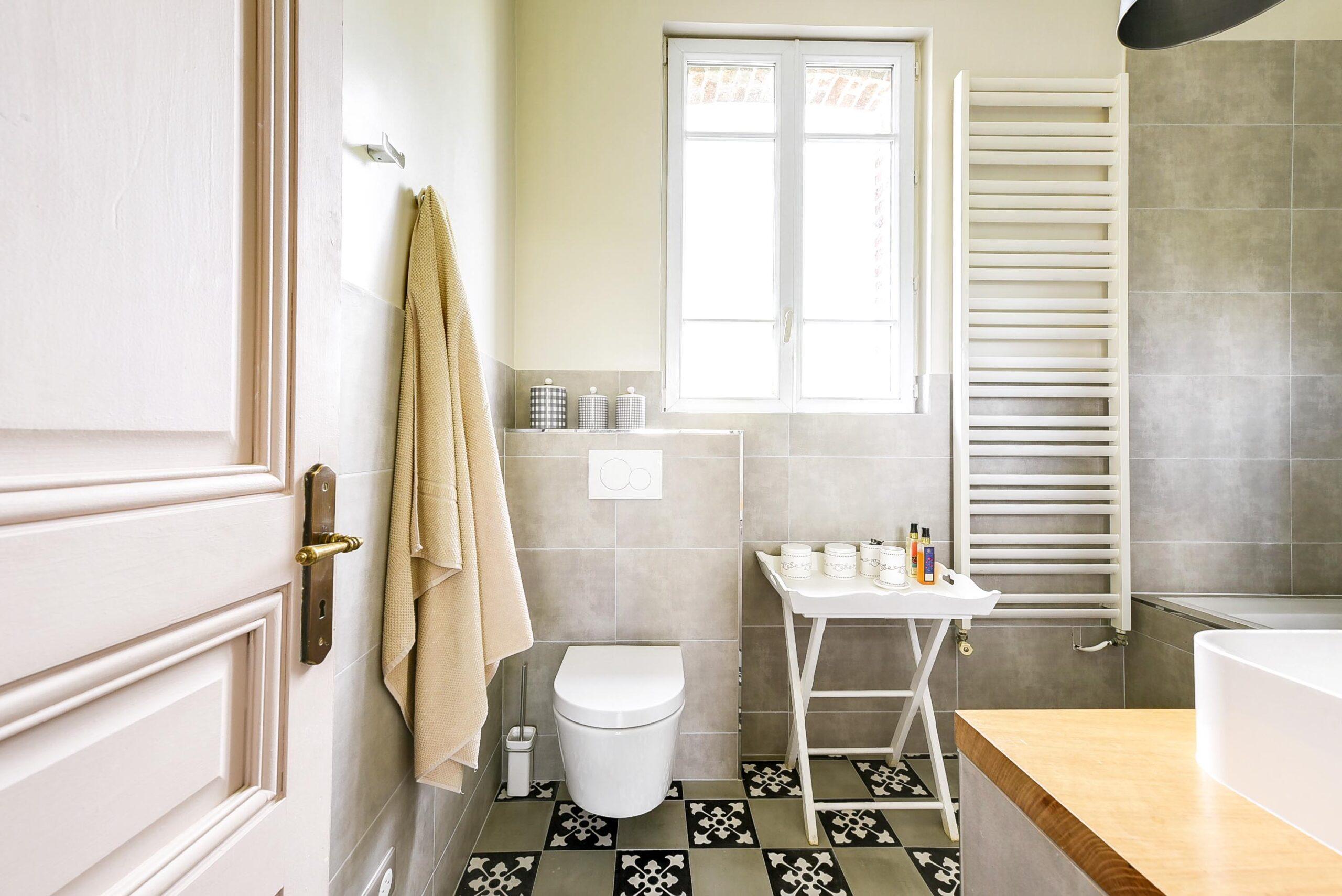 salle de bain cosy et naturelle cosy side