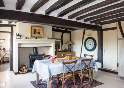 maison-campagne-cosy-salle-a-manger