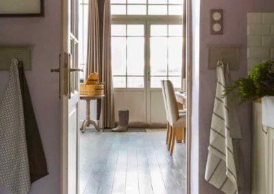 maison-campagne-couleur-verriere-porte-sol-galet